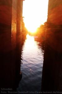 Blick auf den abendlichen Landwehrkanal, Berlin