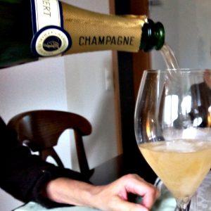 Champagner zum Wohnungsbezug