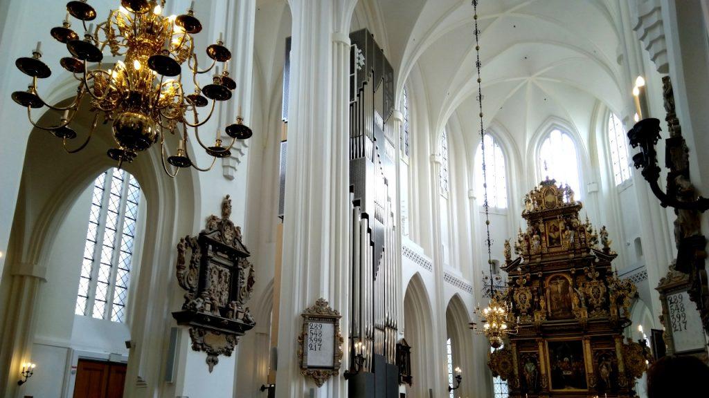 S:t Petri Malmö, Hochaltar und Klais-Orgel