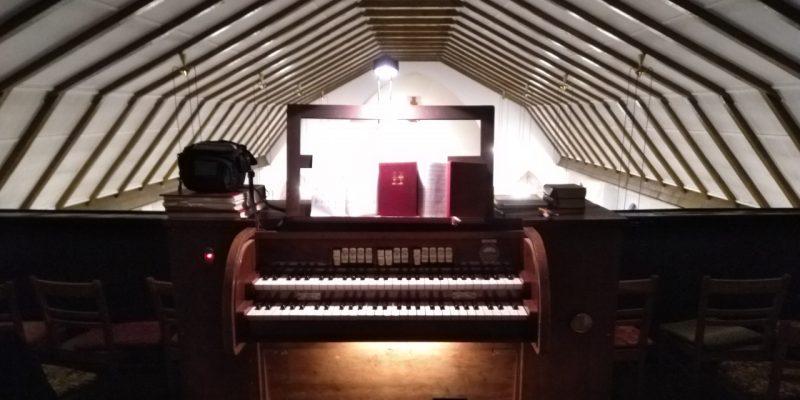 Wacker-Orgel von St. Johannes Evangelist in Berlin Französisch Buchholz