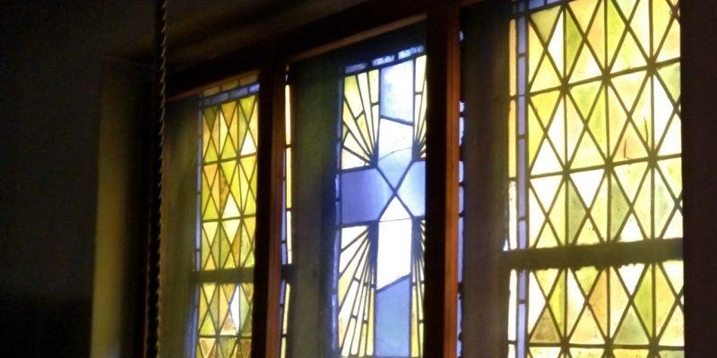 Kirchenfenster von St. Anna Berlin Baumschulenweg auf der Orgelempore
