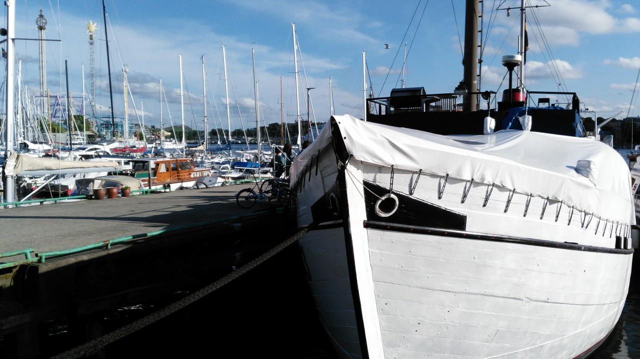 Yacht im Hafen von Stockholm