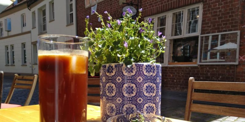 Espresso tonic im Café Avenir, Lüneburg
