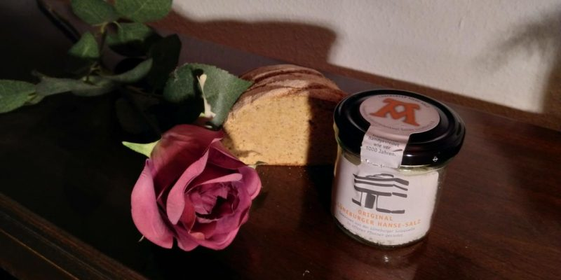 Rose, Brot und Lüneburger Salz